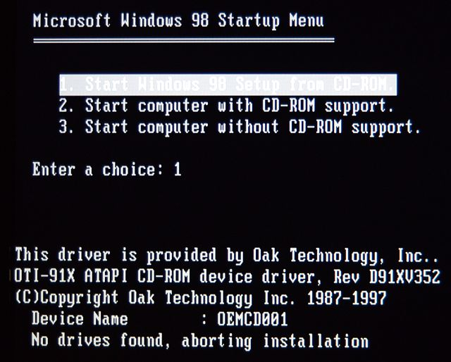 In The W98SE Install CDs Boot Image CONFIGSYS Had Following For Both SETUP CD And Menu Options